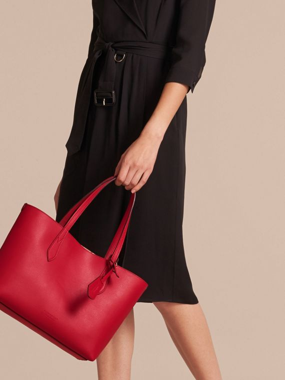 The Small Reversible Tote in Haymarket Check and Leather Poppy Red - cell image 2