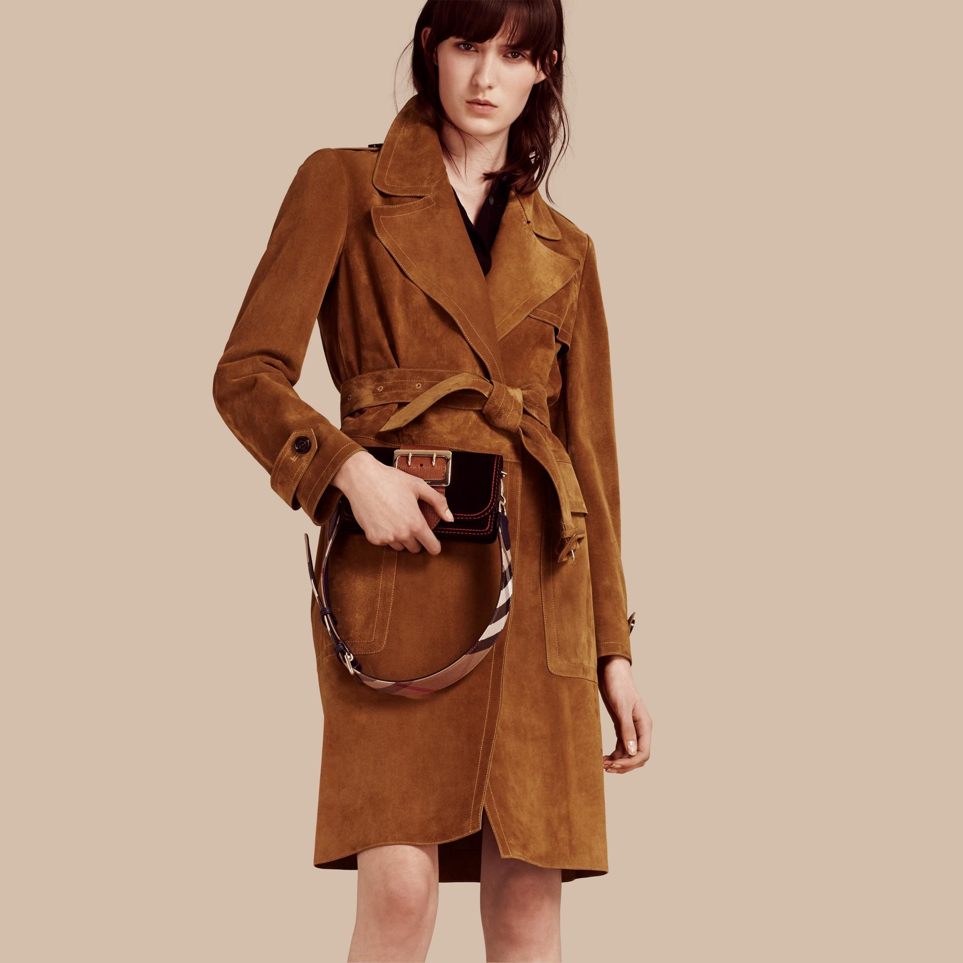 Cognac Manteau portefeuille en cuir velours - photo de la galerie 1