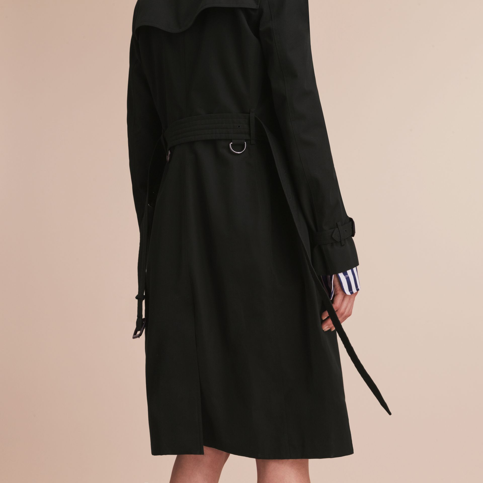 The Kensington – Extra-long Heritage Trench Coat in Black - Women | Burberry - gallery image 6