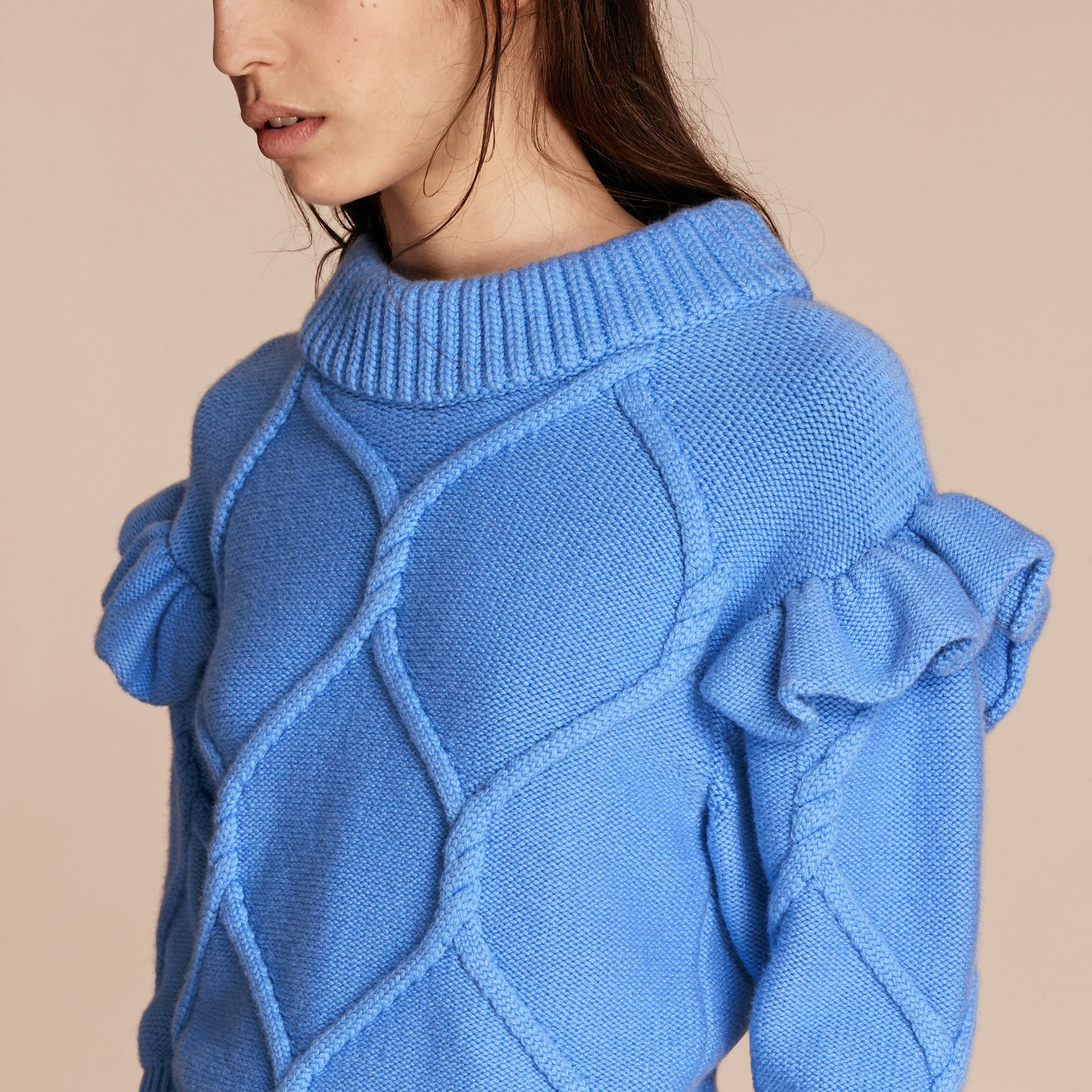 Hydrangia blue Ruffle-sleeved Cable Knit Wool Cashmere Sweater - gallery image 5