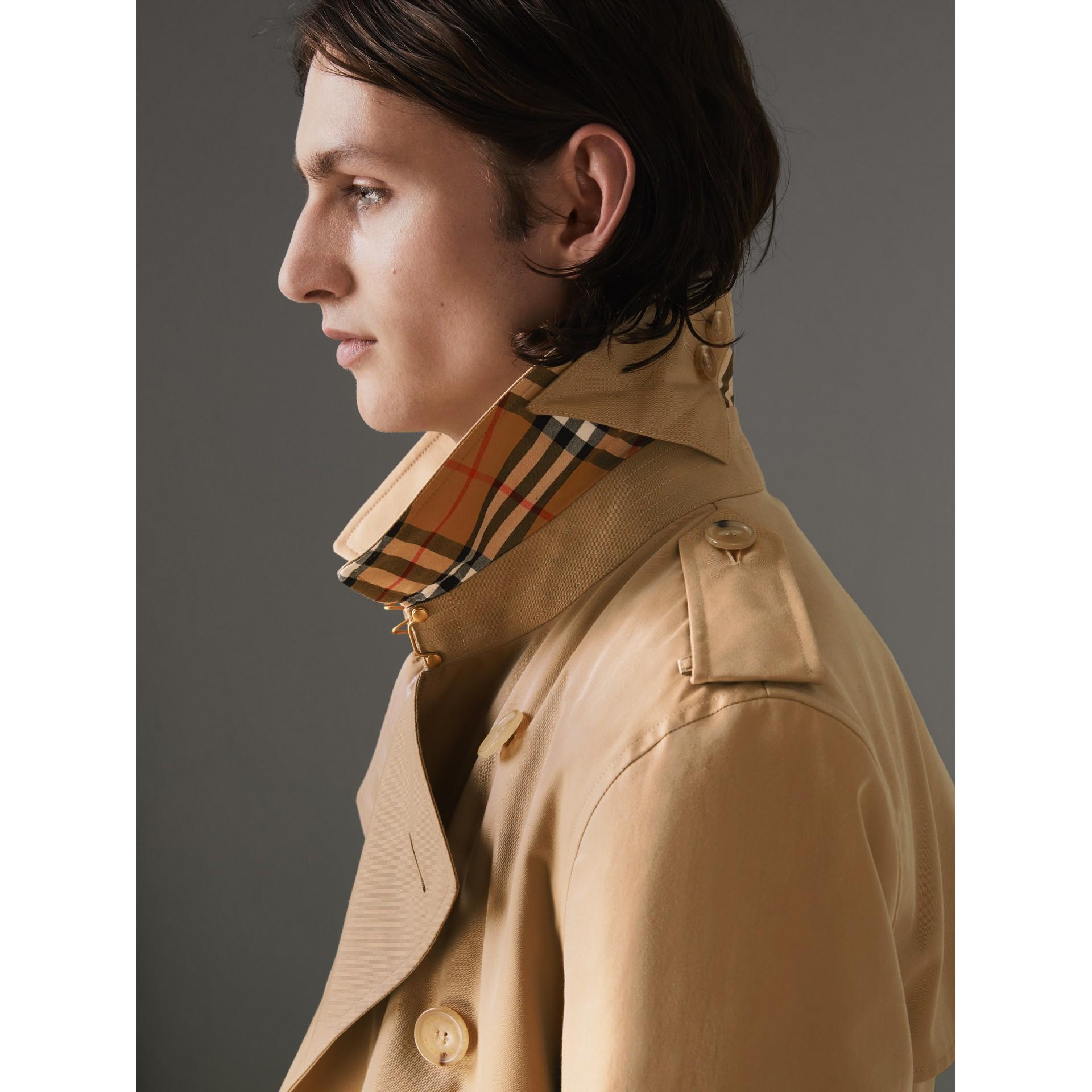 The Kensington Heritage Trench Coat in Honey - Men | Burberry - gallery image 1