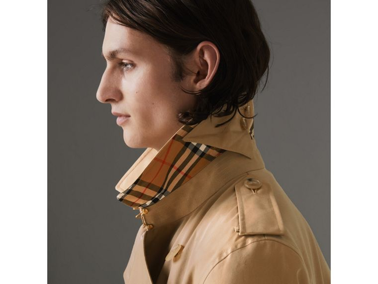 The Kensington Heritage Trench Coat in Honey - Men | Burberry - cell image 1