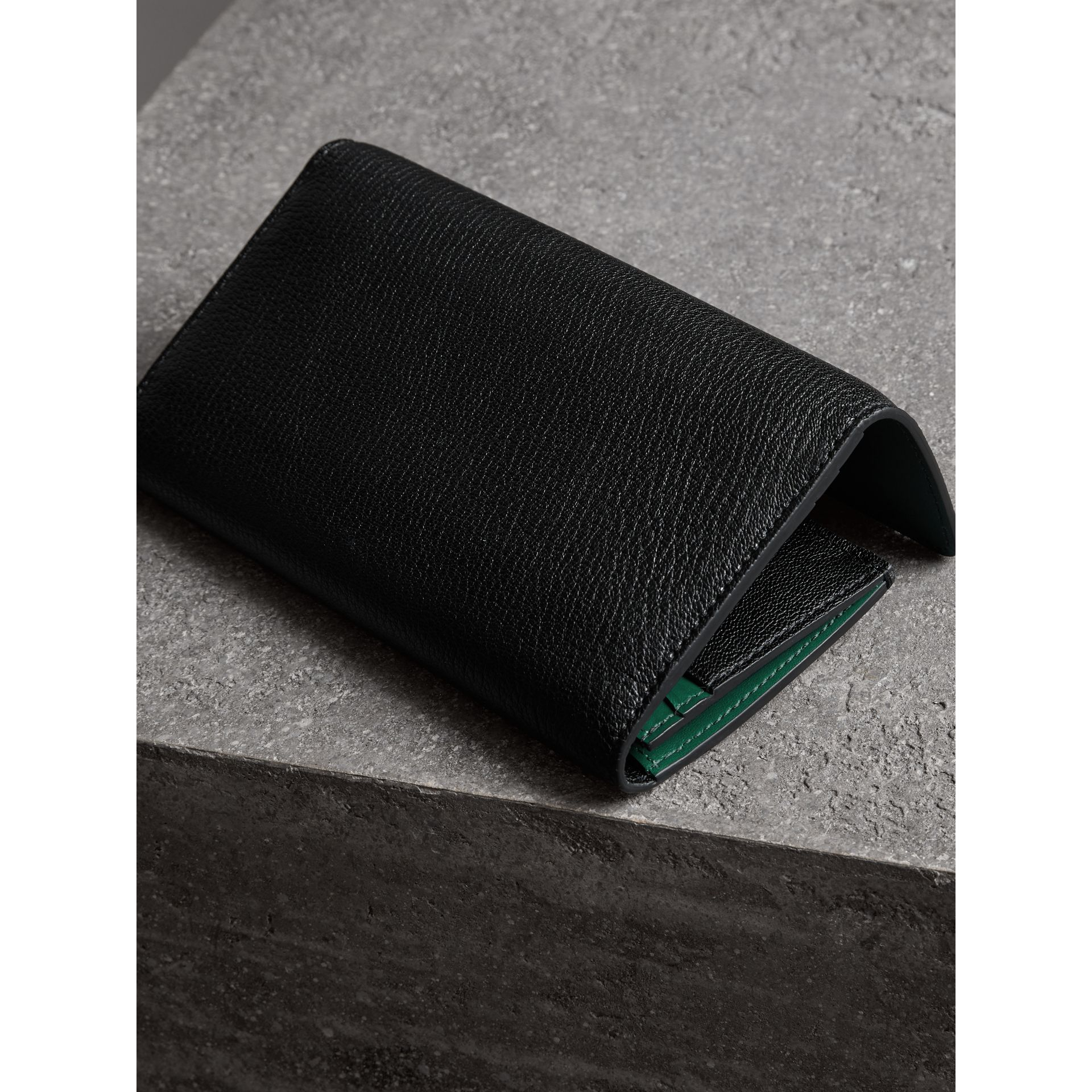 D-ring Grainy Leather Continental Wallet in Black/green - Women | Burberry - gallery image 2