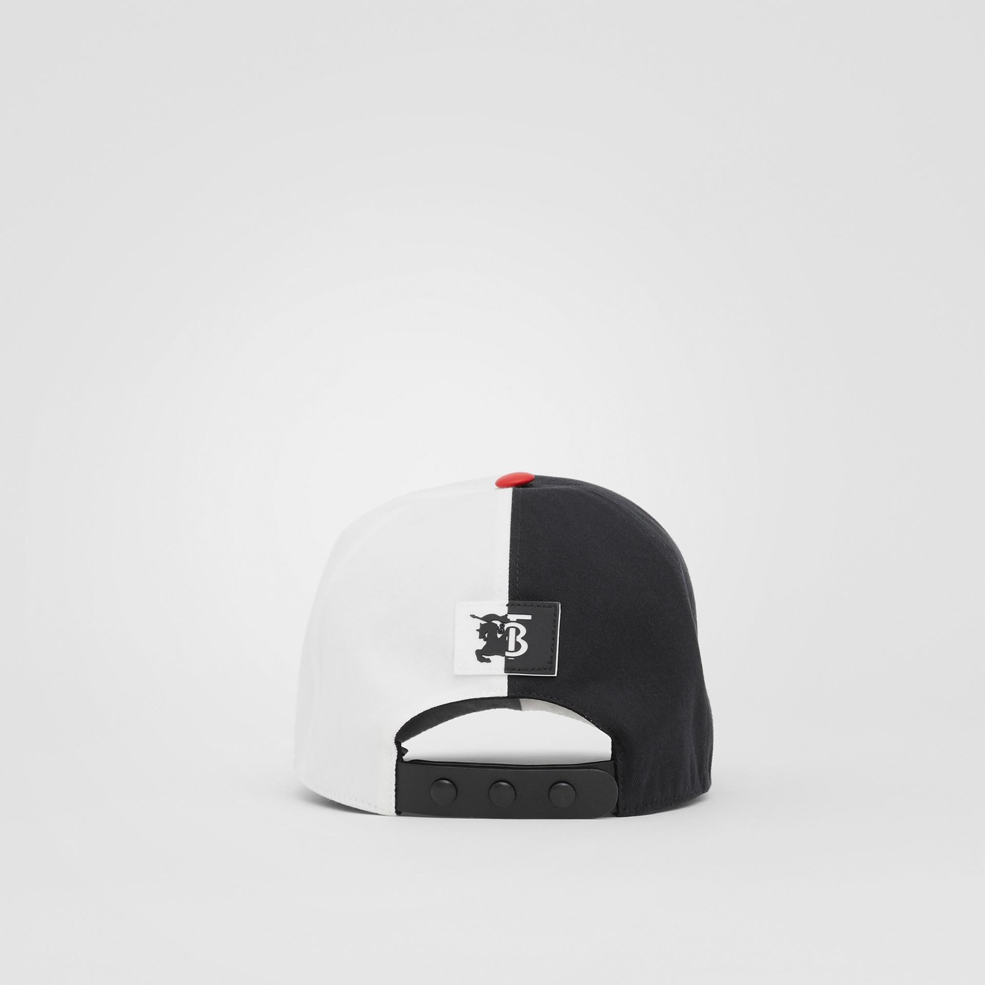 花押字圖案雙色調棉質棒球帽 (黑色/白色) | Burberry - 圖庫照片 5