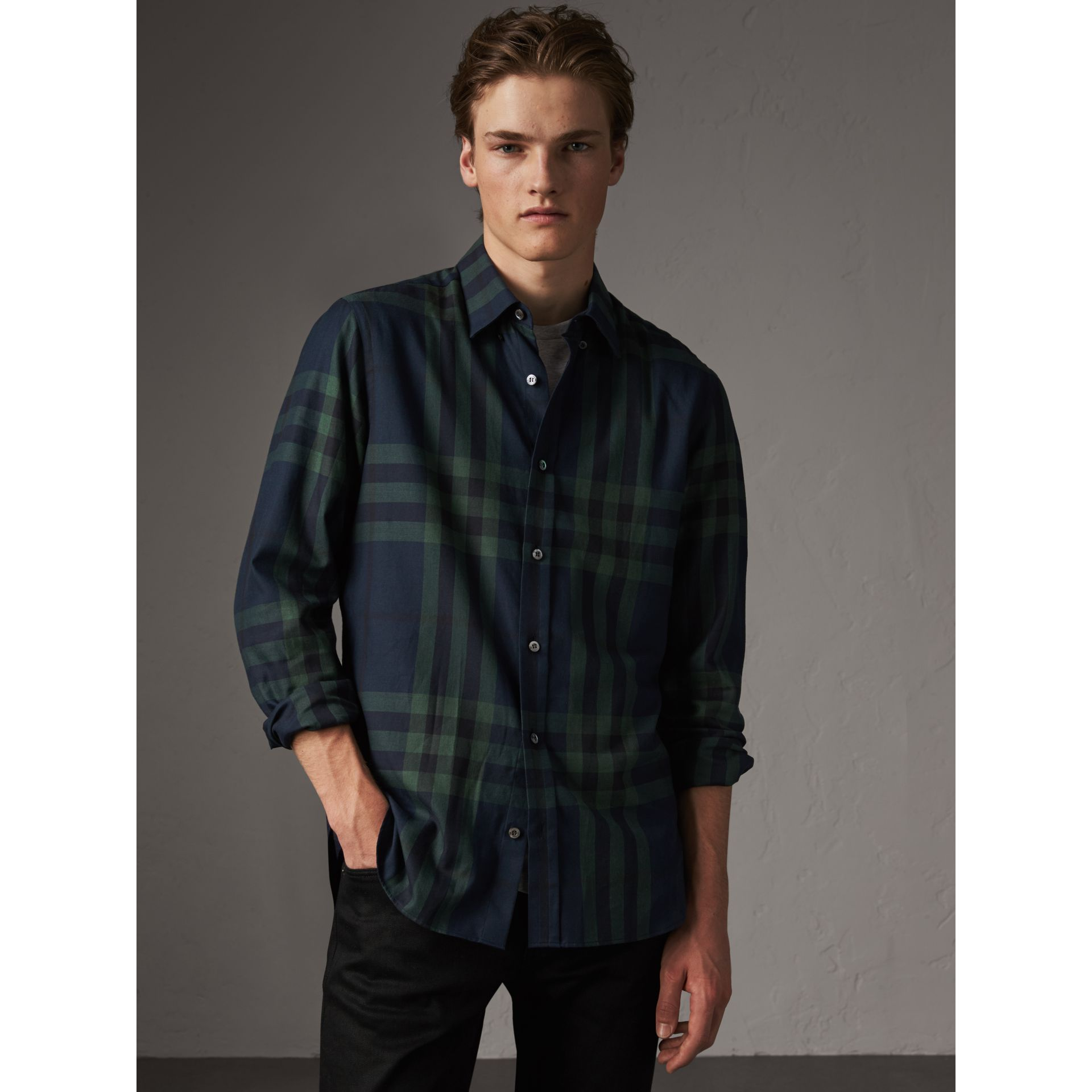 Check Cotton Cashmere Flannel Shirt in Navy - Men | Burberry Hong Kong - gallery image 4
