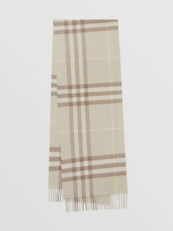 The Classic Check Cashmere Scarf in Green