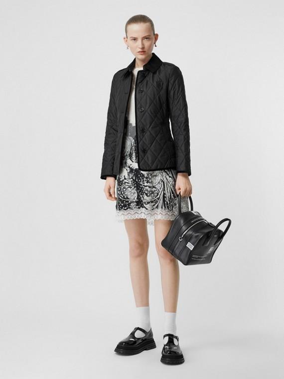 모노그램 모티프 다이아몬드 퀼팅 재킷 (블랙)