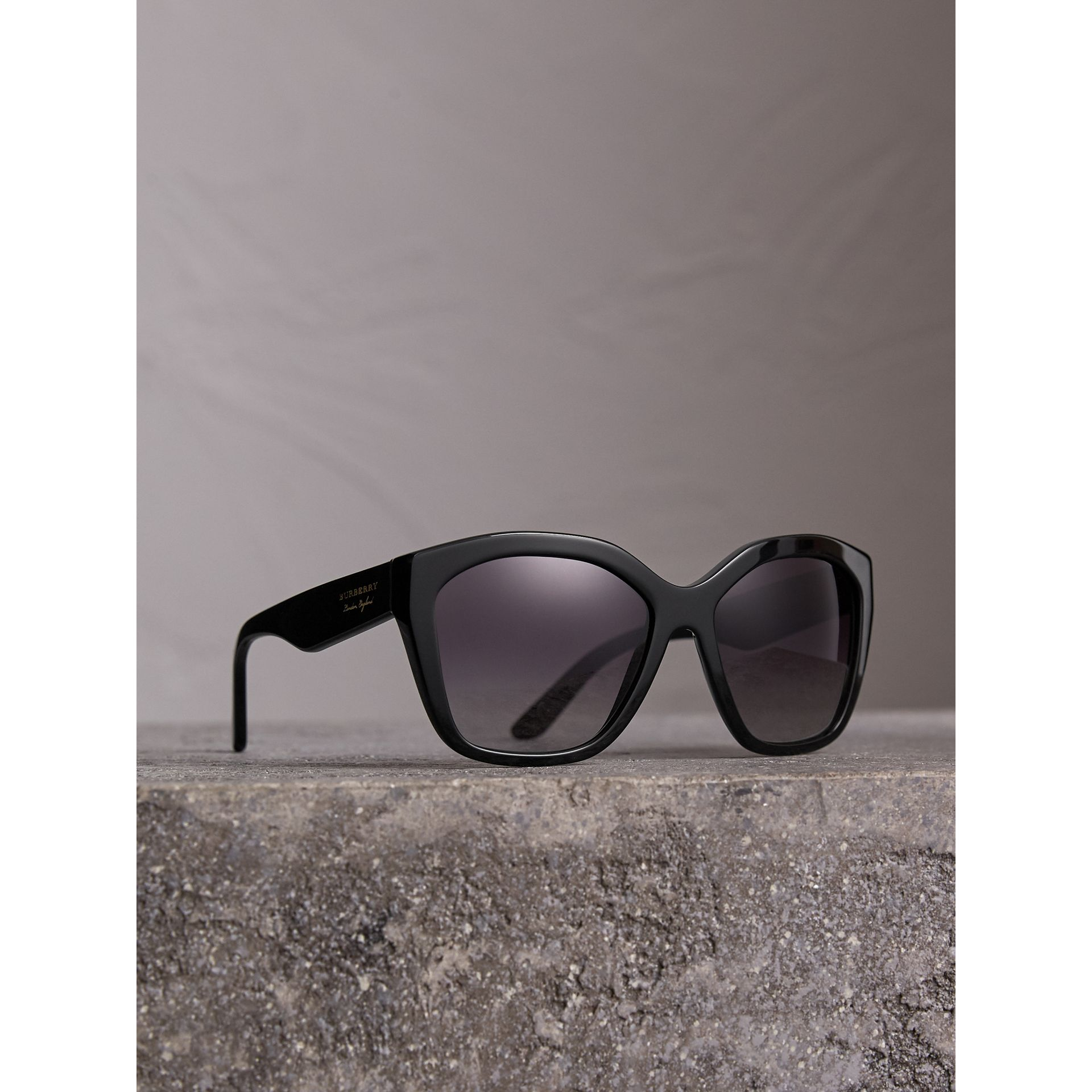 Square Frame Sunglasses in Black - Women | Burberry United States - gallery image 0