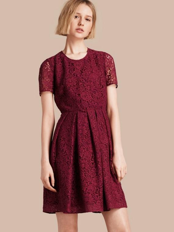 義大利蕾絲 A 字洋裝