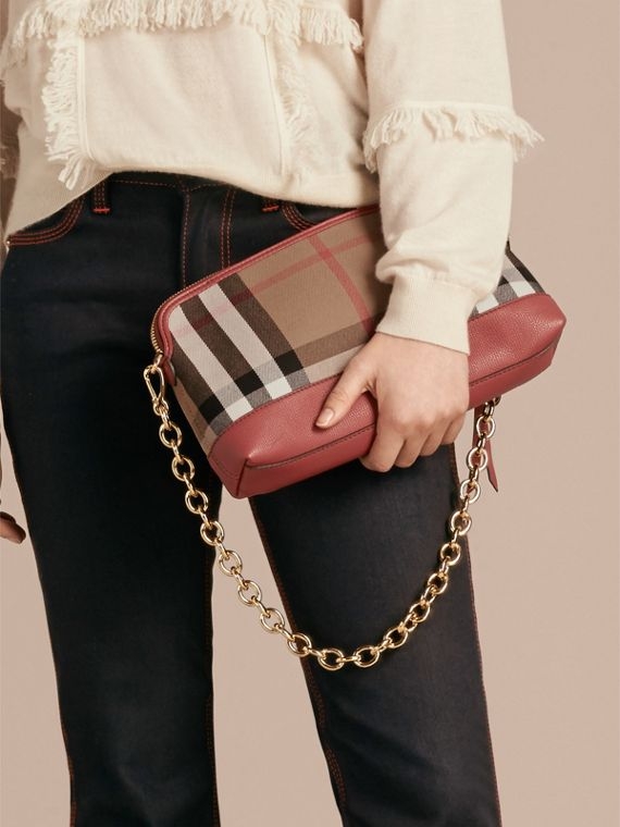 Clutch en coton House check et cuir (Rouge Feuille Morte) - Femme | Burberry - cell image 2