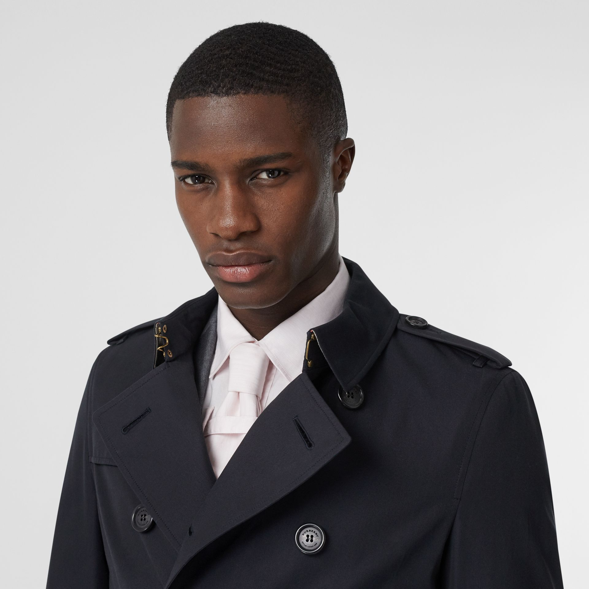 The Chelsea – Long Trench Coat in Navy - Men | Burberry - gallery image 1