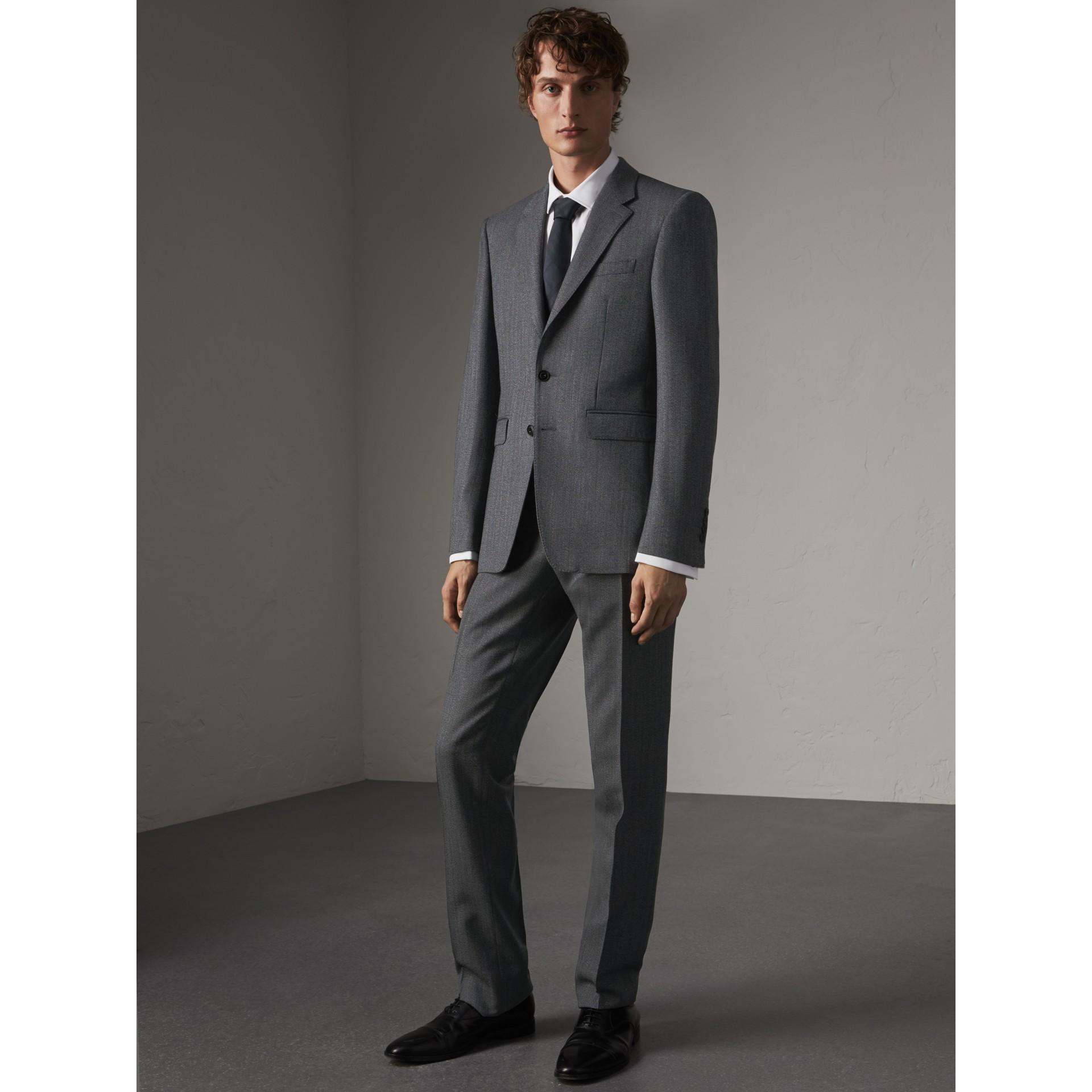 Camisa de corte moderno en algodón elástico con puños dobles (Blanco) - Hombre | Burberry - imagen de la galería 6