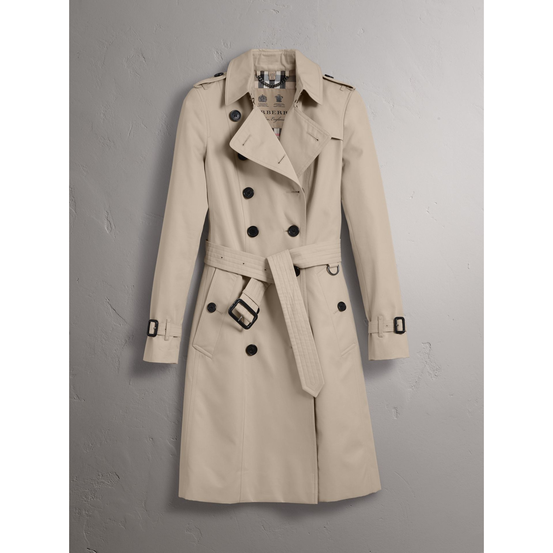 The Chelsea – Long Trench Coat in Stone - Women | Burberry - gallery image 3