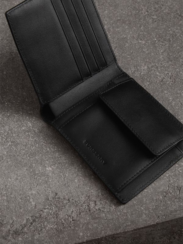 London Check International Bifold Coin Wallet in Charcoal/black - Men | Burberry Hong Kong - cell image 3