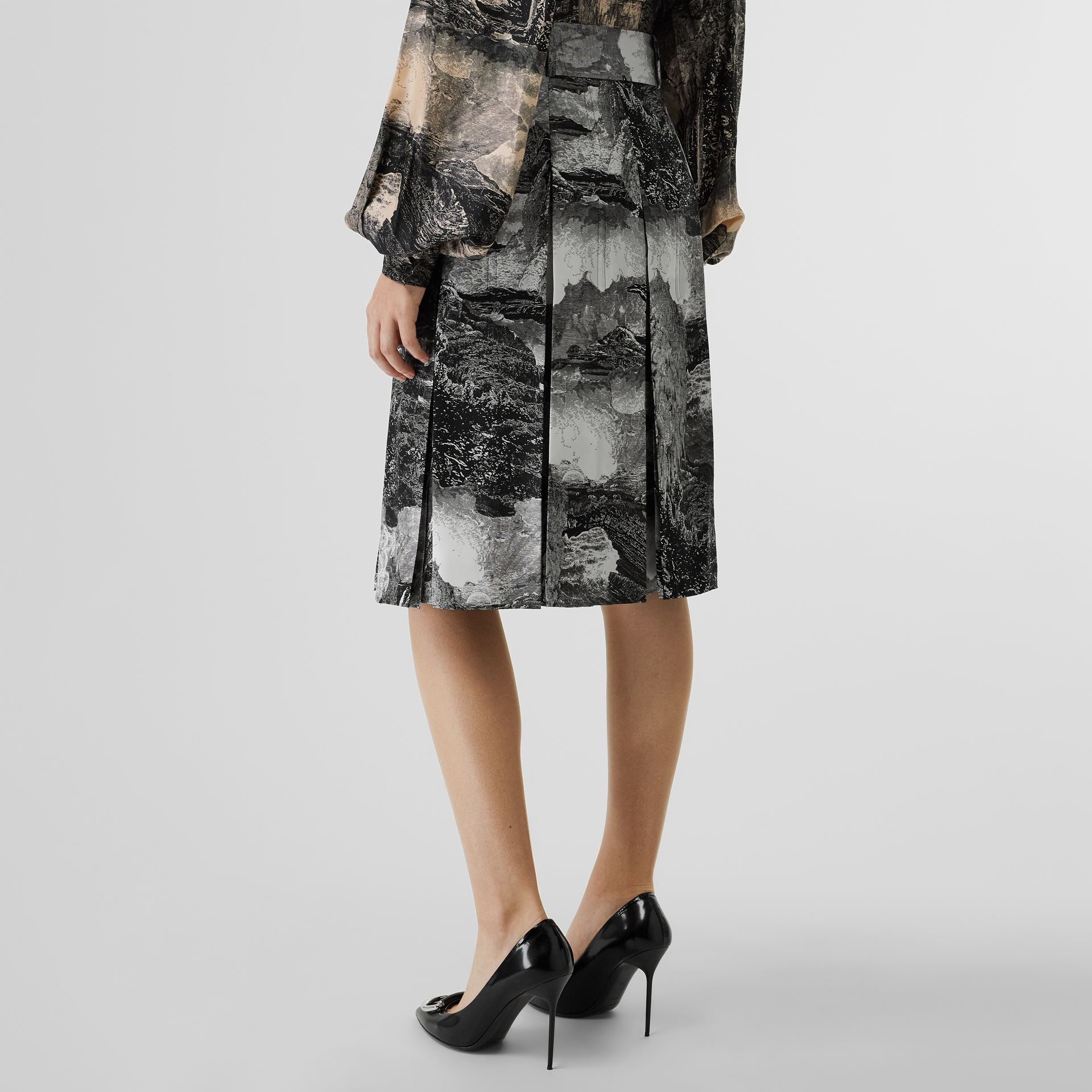 Dreamscape Print Pleated Silk Tie-waist Skirt in Black - Women | Burberry United Kingdom - gallery image 2