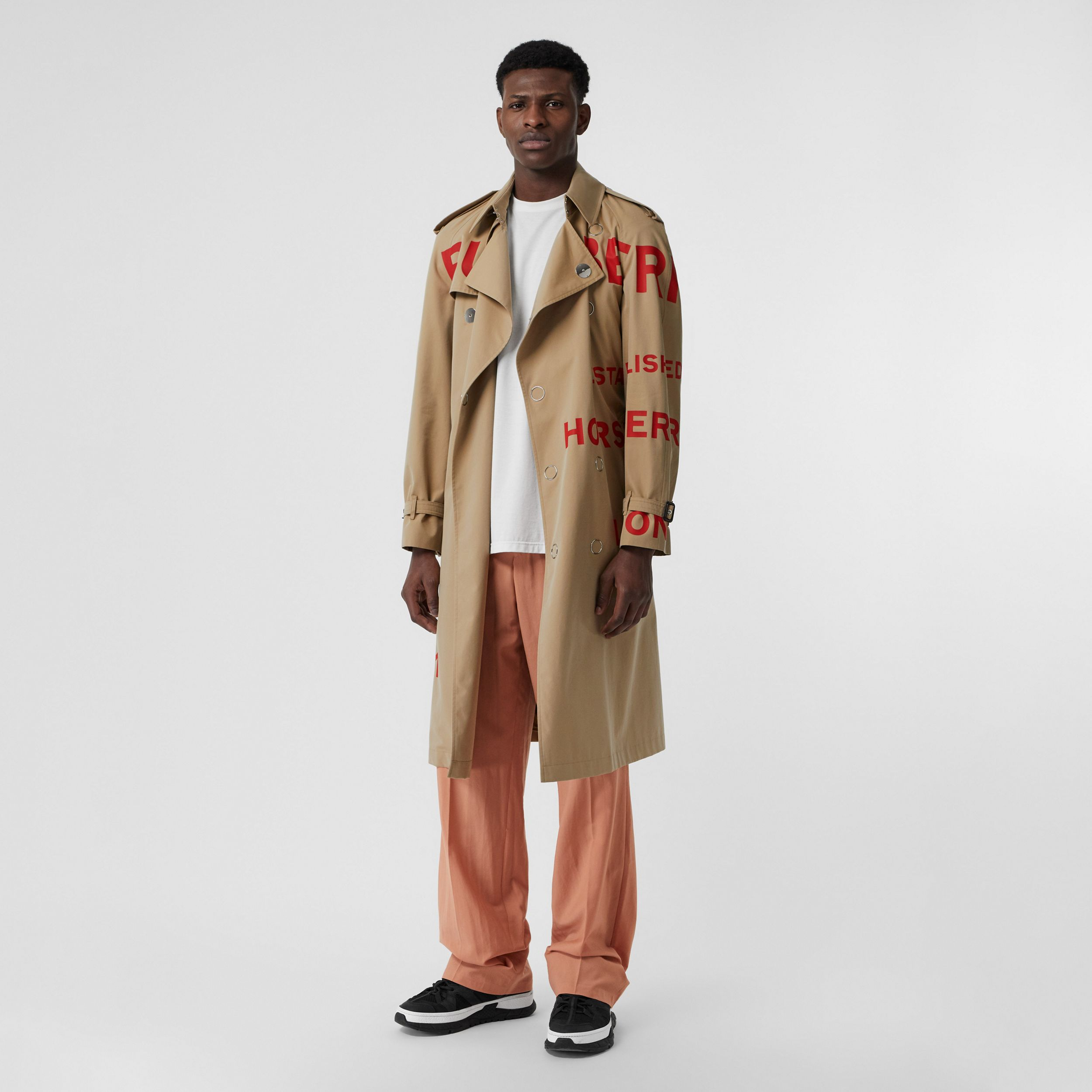 Horseferry Print Cotton Gabardine Trench Coat in Honey - Men | Burberry United Kingdom - 1