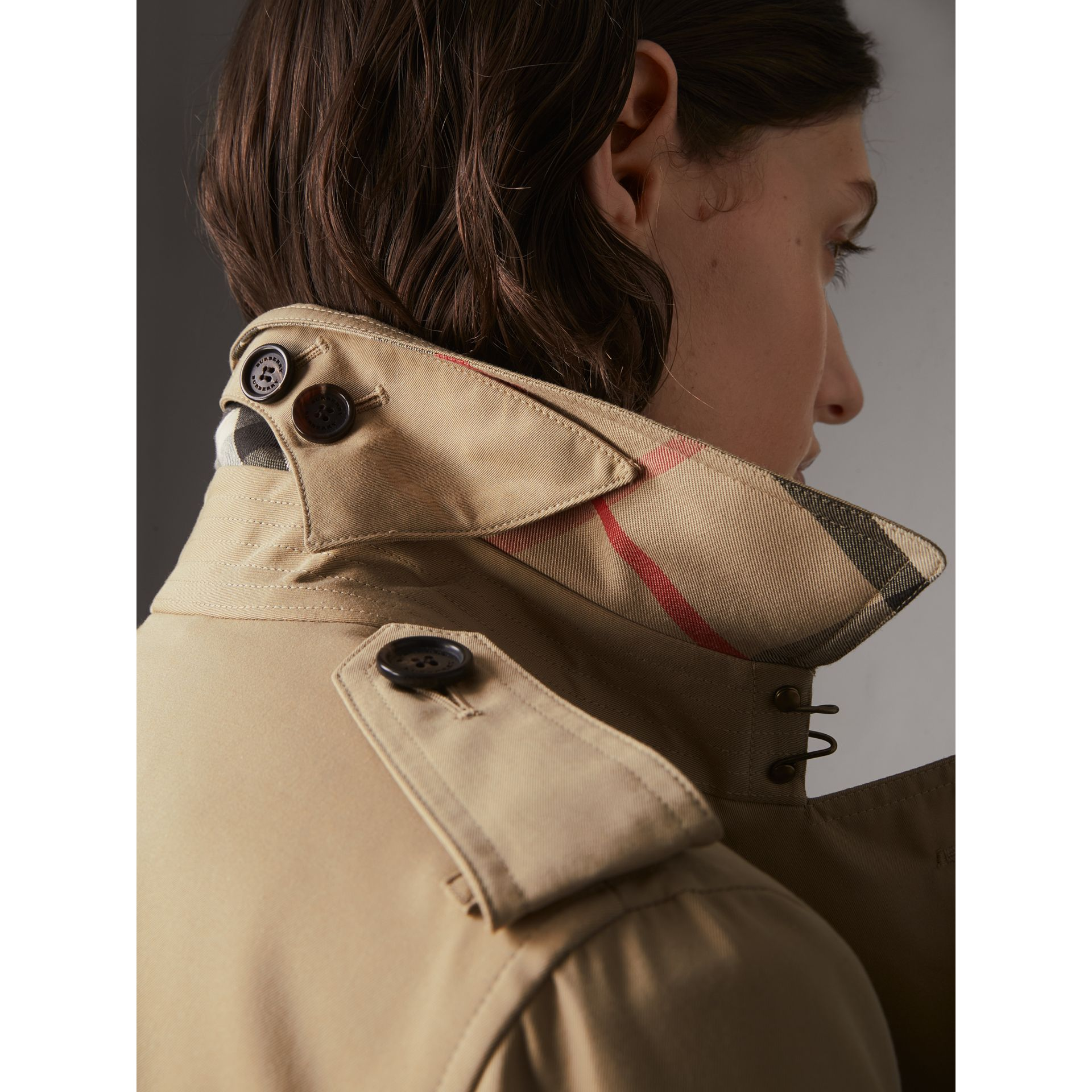 The Kensington – Long Trench Coat in Honey - Women | Burberry United States - gallery image 1