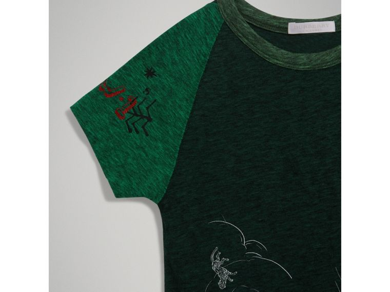 Raglan-sleeve Adventure Motif Cotton Blend T-shirt in Forest Green - Boy | Burberry - cell image 4