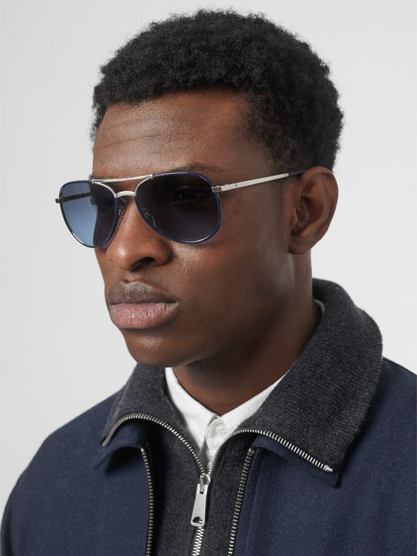 Folding Pilot Sunglasses in Navy - Men | Burberry Hong Kong - cell image 2