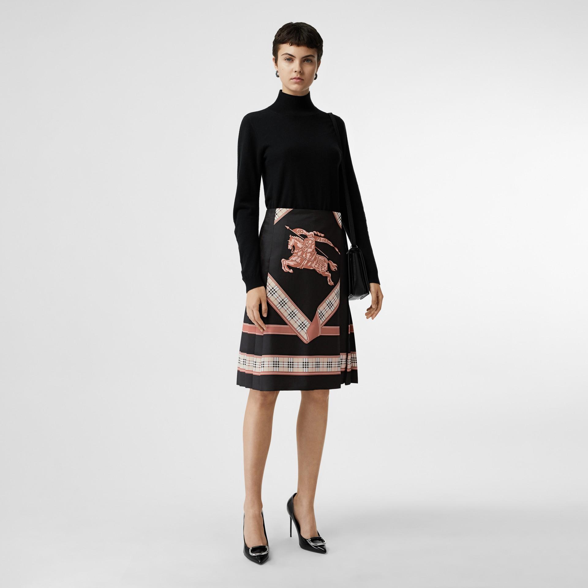典藏圍巾印花蘇格蘭裙 (多色) - 女款 | Burberry - 圖庫照片 0