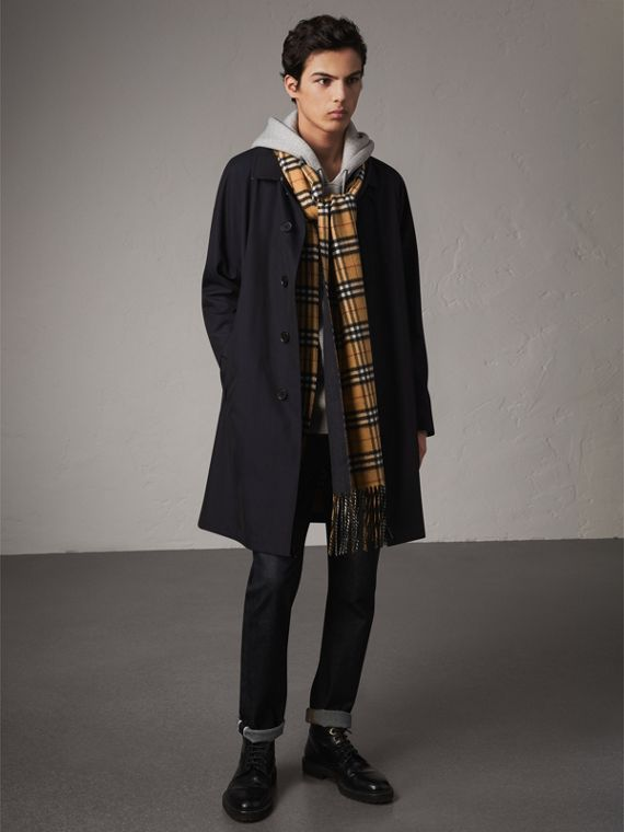Long Reversible Vintage Check Double-faced Cashmere Scarf in Blue Carbon | Burberry United Kingdom - cell image 3