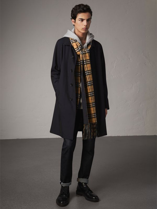 Long Reversible Vintage Check Double-faced Cashmere Scarf in Blue Carbon | Burberry Australia - cell image 3
