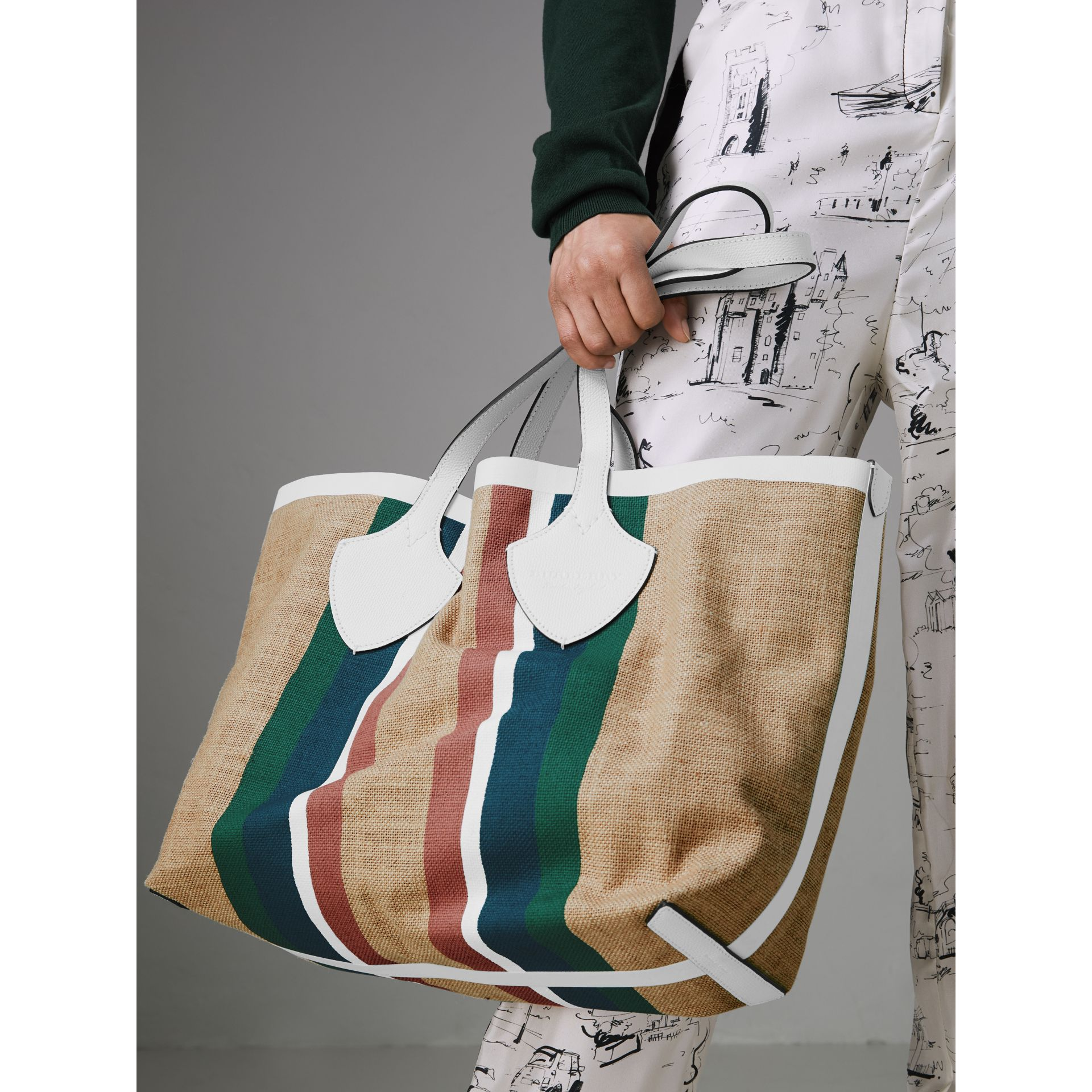 The Medium Giant Tote in Striped Jute in Chalk White - Women | Burberry - gallery image 3