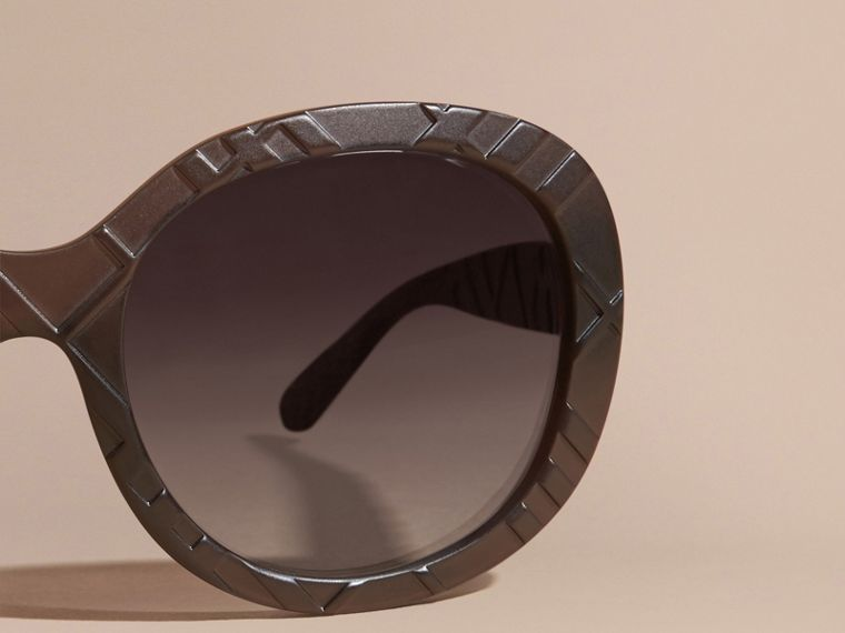 Black 3D Check Round Frame Sunglasses Black - cell image 1
