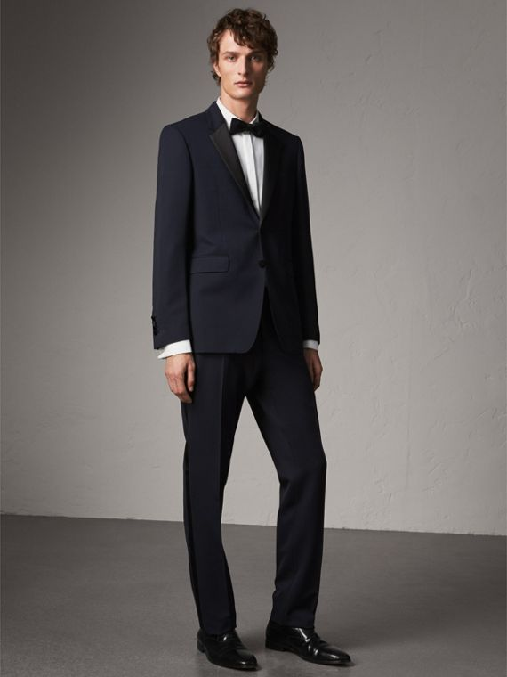 Modern Fit Virgin Wool Half-canvas Tuxedo in Navy