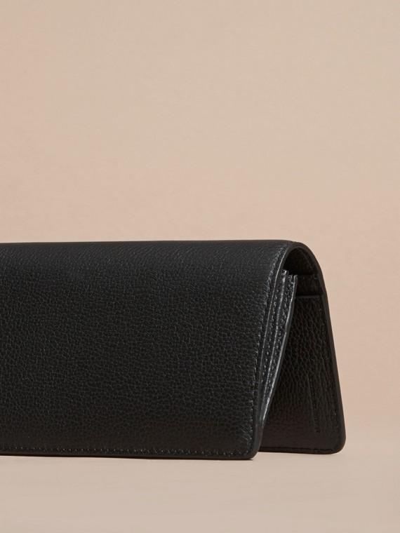 Noir Portefeuille continental en cuir grené Noir - cell image 3