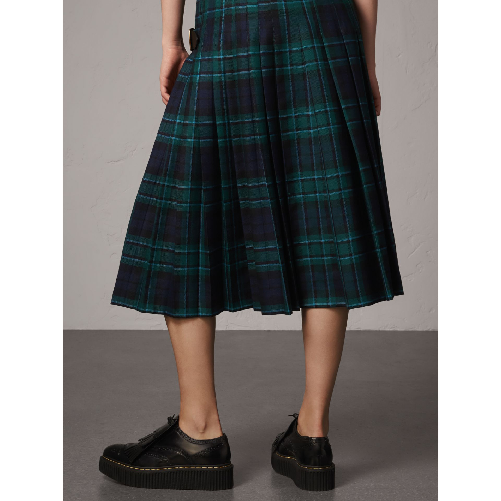 Tartan Wool Kilt in Pine Green - Women | Burberry Singapore - gallery image 3