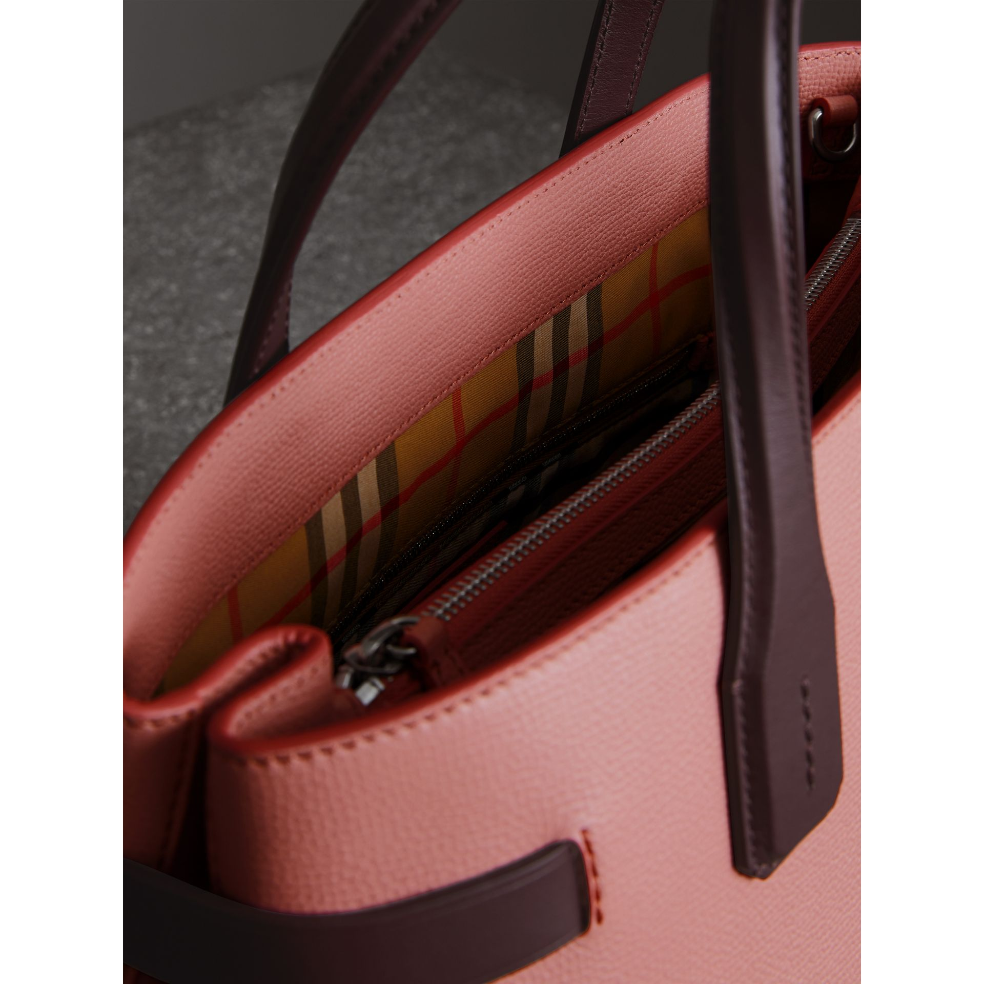 The Medium Banner in Two-tone Leather in Dusty Rose/deep Claret - Women | Burberry United States - gallery image 3