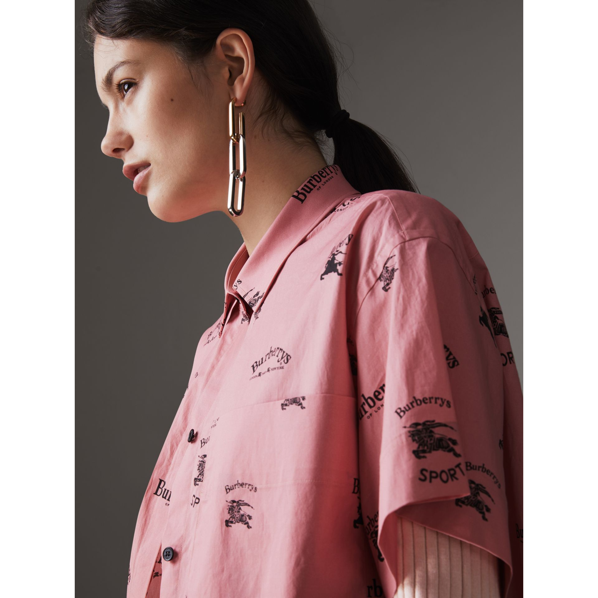 Short-sleeve Archive Logo Print Stretch-cotton Shirt in Pink - Women | Burberry United Kingdom - gallery image 1