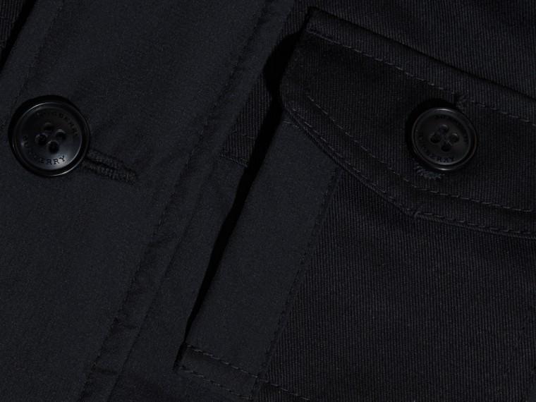 Schwarz Jacke aus technischer Faser mit abnehmbarer Kapuze - cell image 1