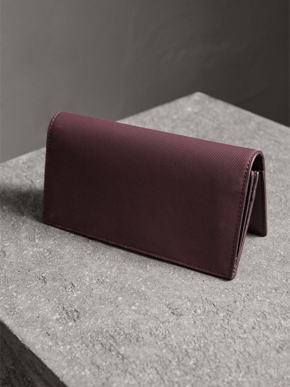 Trench Leather Continental Wallet in Wine - Men | Burberry Canada - cell image 2