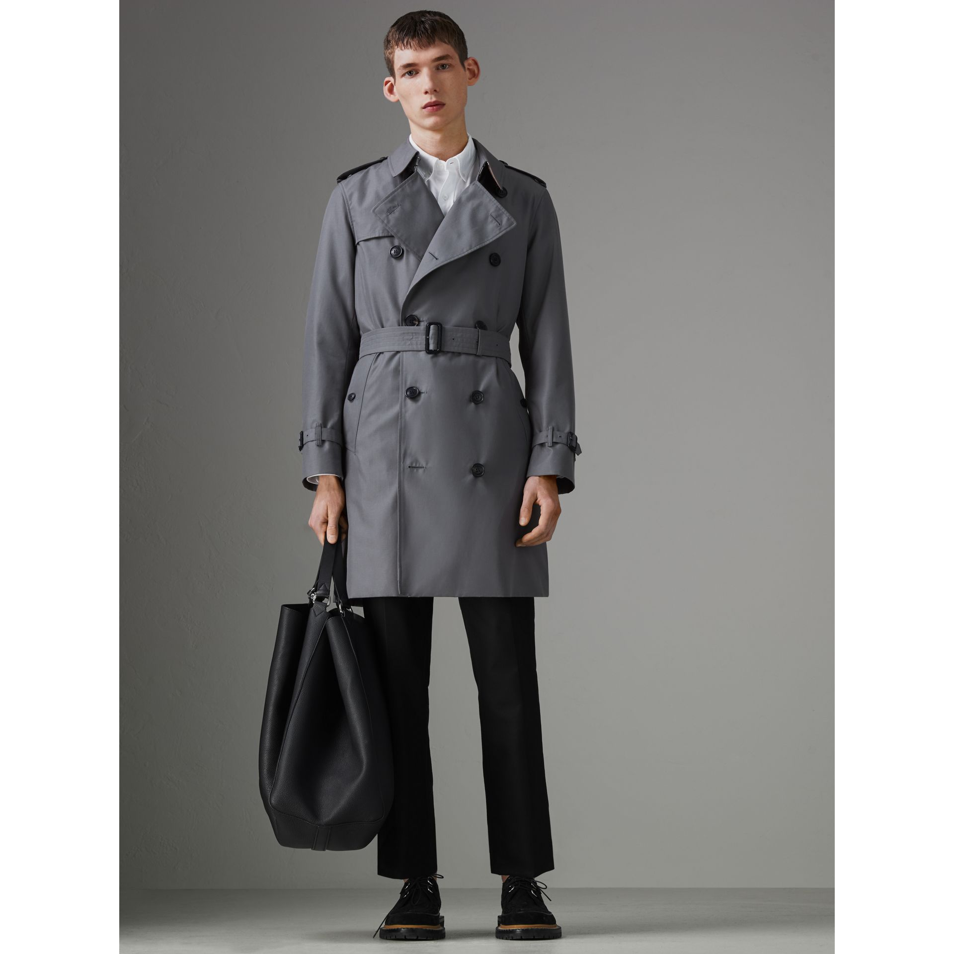 The Chelsea Heritage Trench Coat in Mid Grey - Men | Burberry United States - gallery image 6