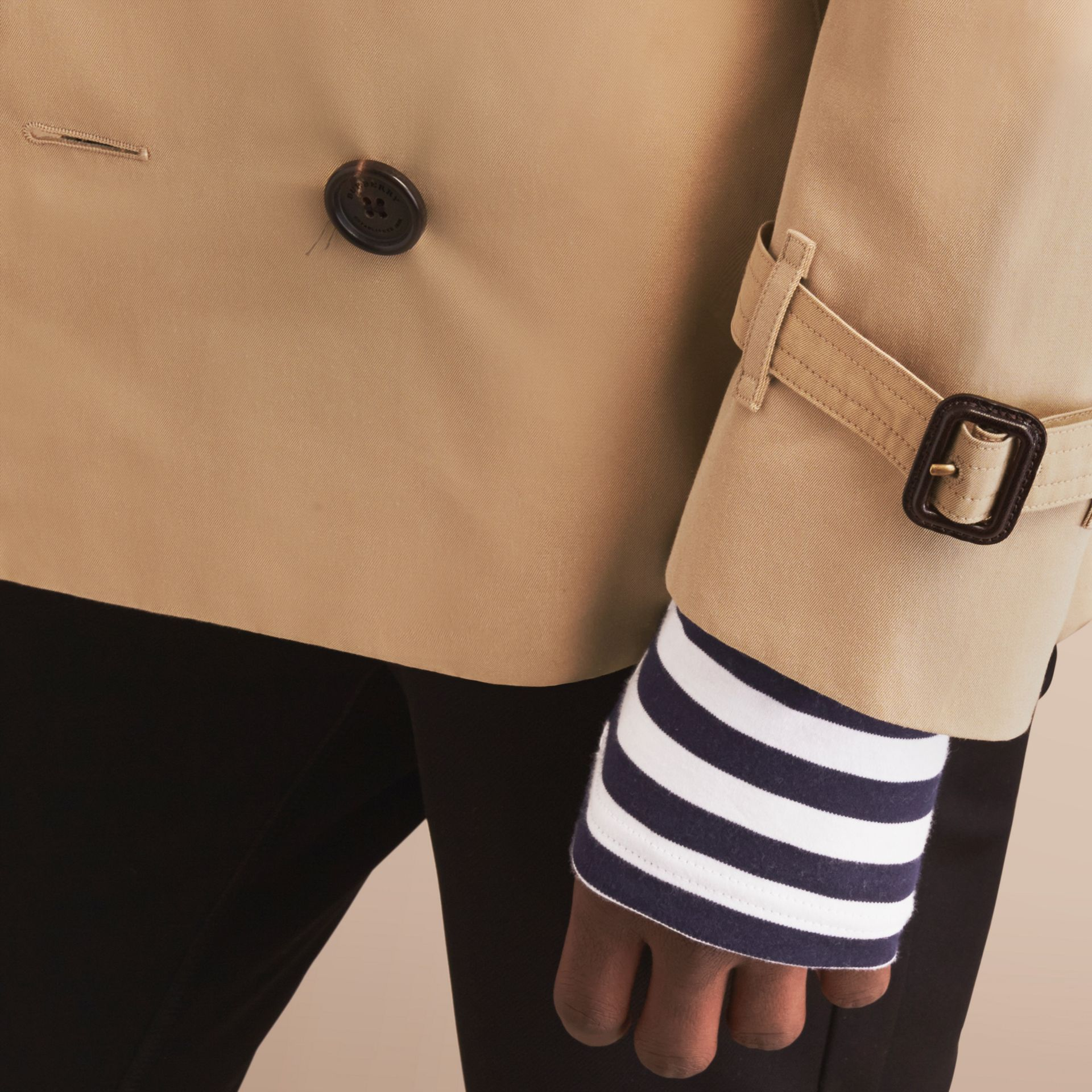 The Sandringham – Short Heritage Trench Coat in Honey - Men | Burberry Australia - gallery image 7