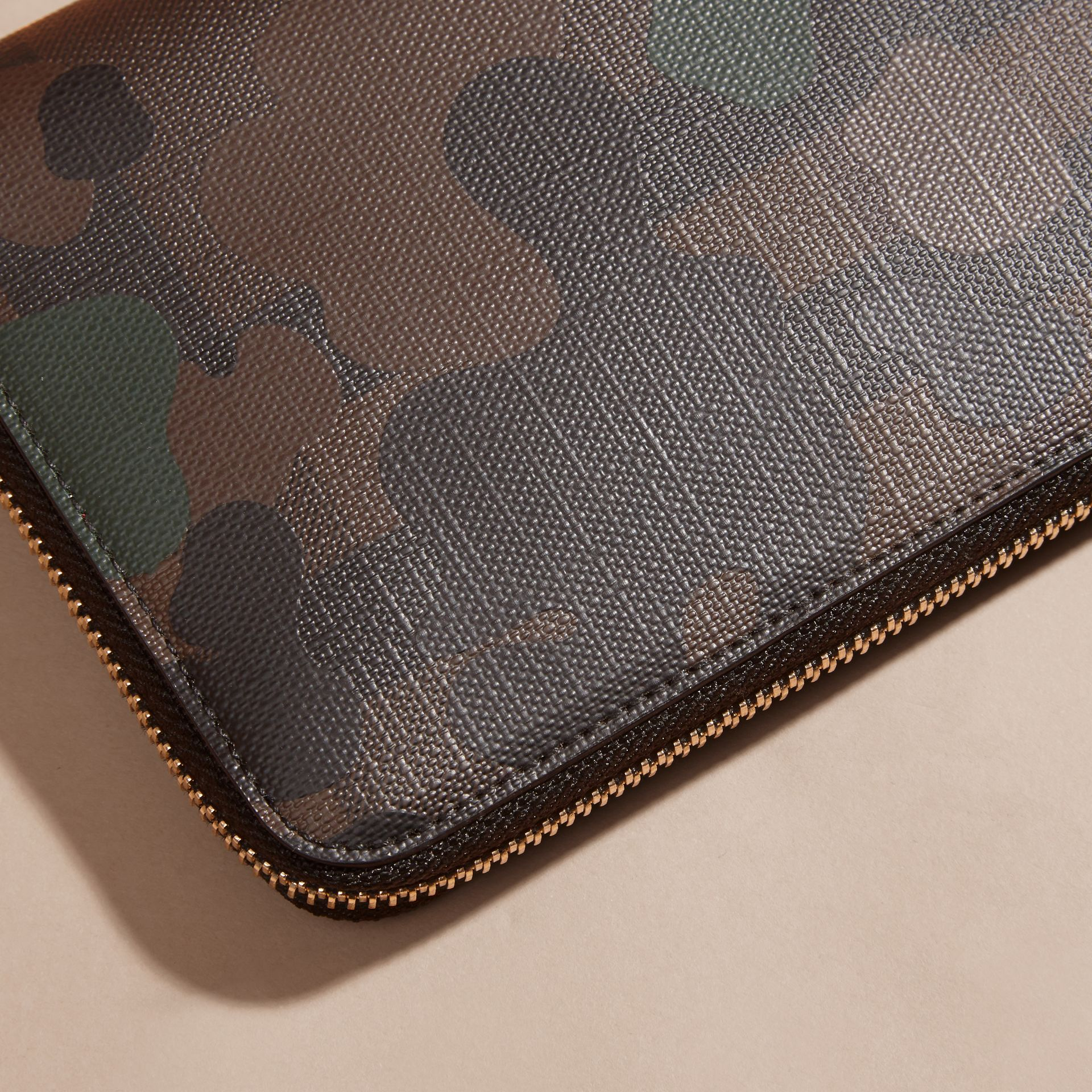 Chocolate/camouflage Camouflage and London Check Ziparound Wallet - gallery image 2