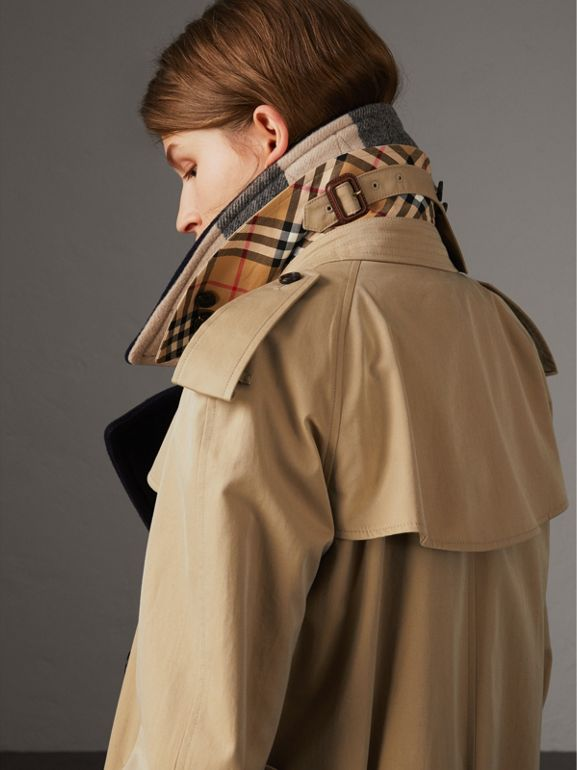 Trench coat in gabardine tropicale con rivestimento amovibile (Miele) - Donna | Burberry - cell image 1
