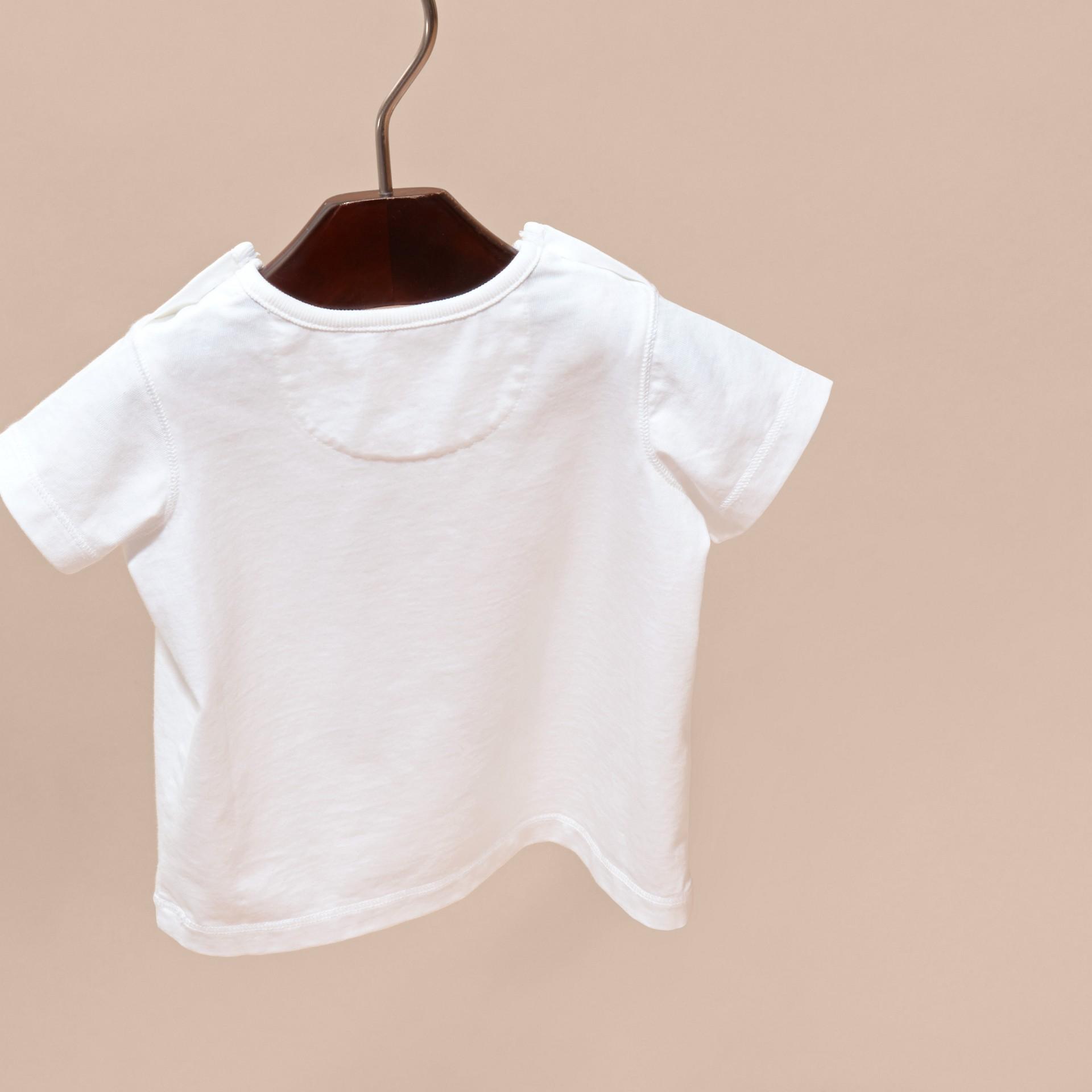 Rouge parade T-shirt en coton avec motif London - photo de la galerie 4