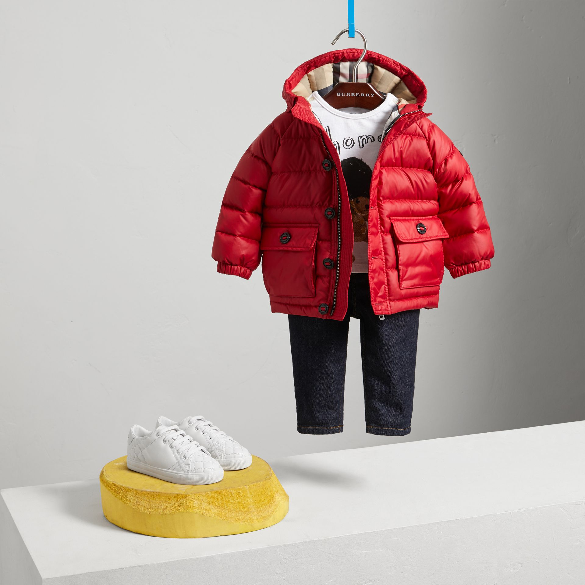 Doudoune courte imperméable à capuche (Rouge Parade) | Burberry Canada - photo de la galerie 2