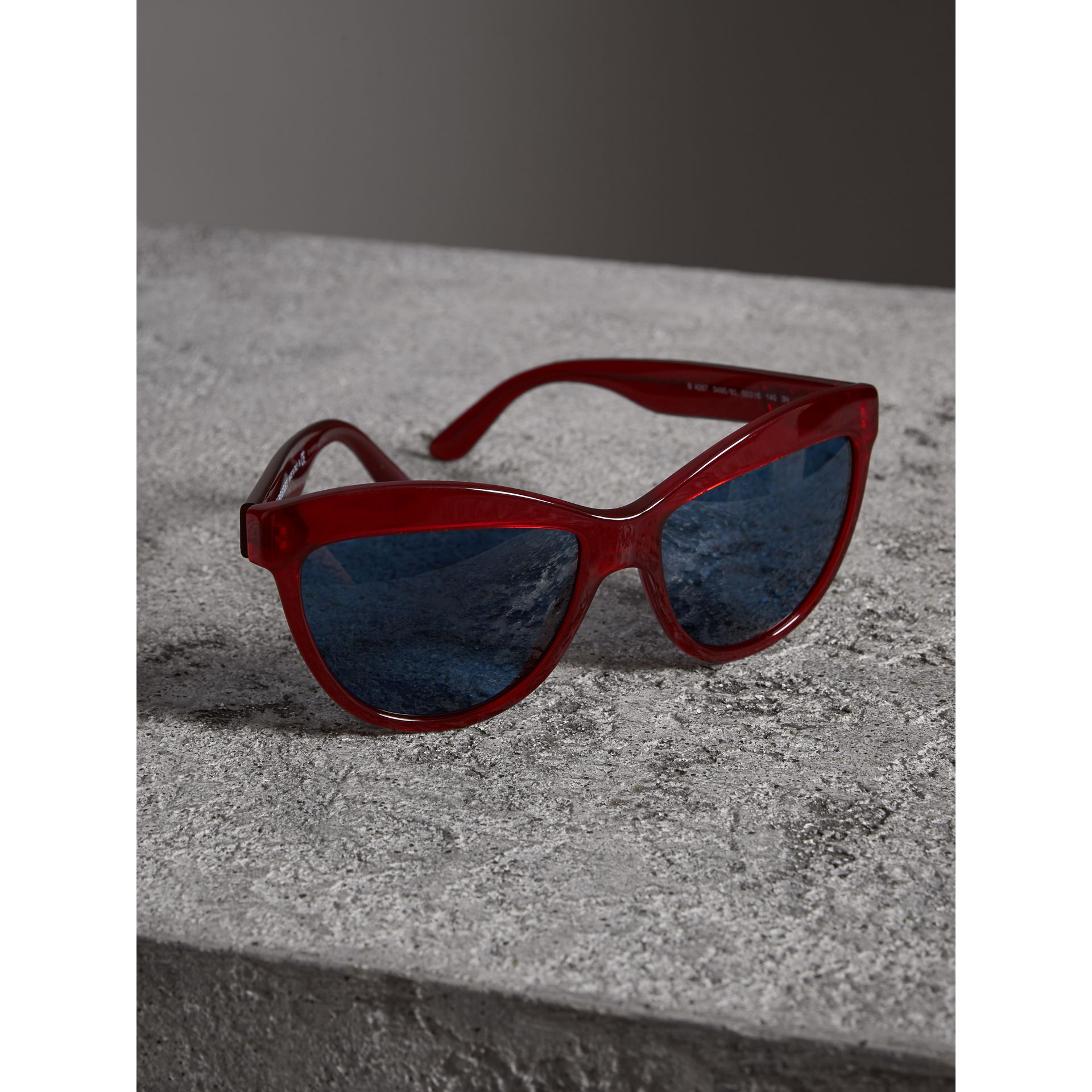 Doodle Cat-eye Frame Sunglasses in Cardinal Red - Women | Burberry Australia - gallery image 2