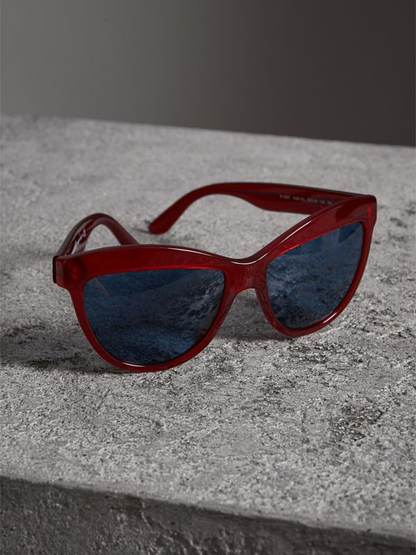 Doodle Cat-eye Frame Sunglasses in Cardinal Red - Women | Burberry Australia - cell image 2
