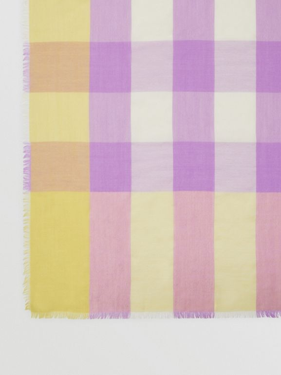 Lightweight Check Cashmere Scarf in Dusty Citrine | Burberry - cell image 1