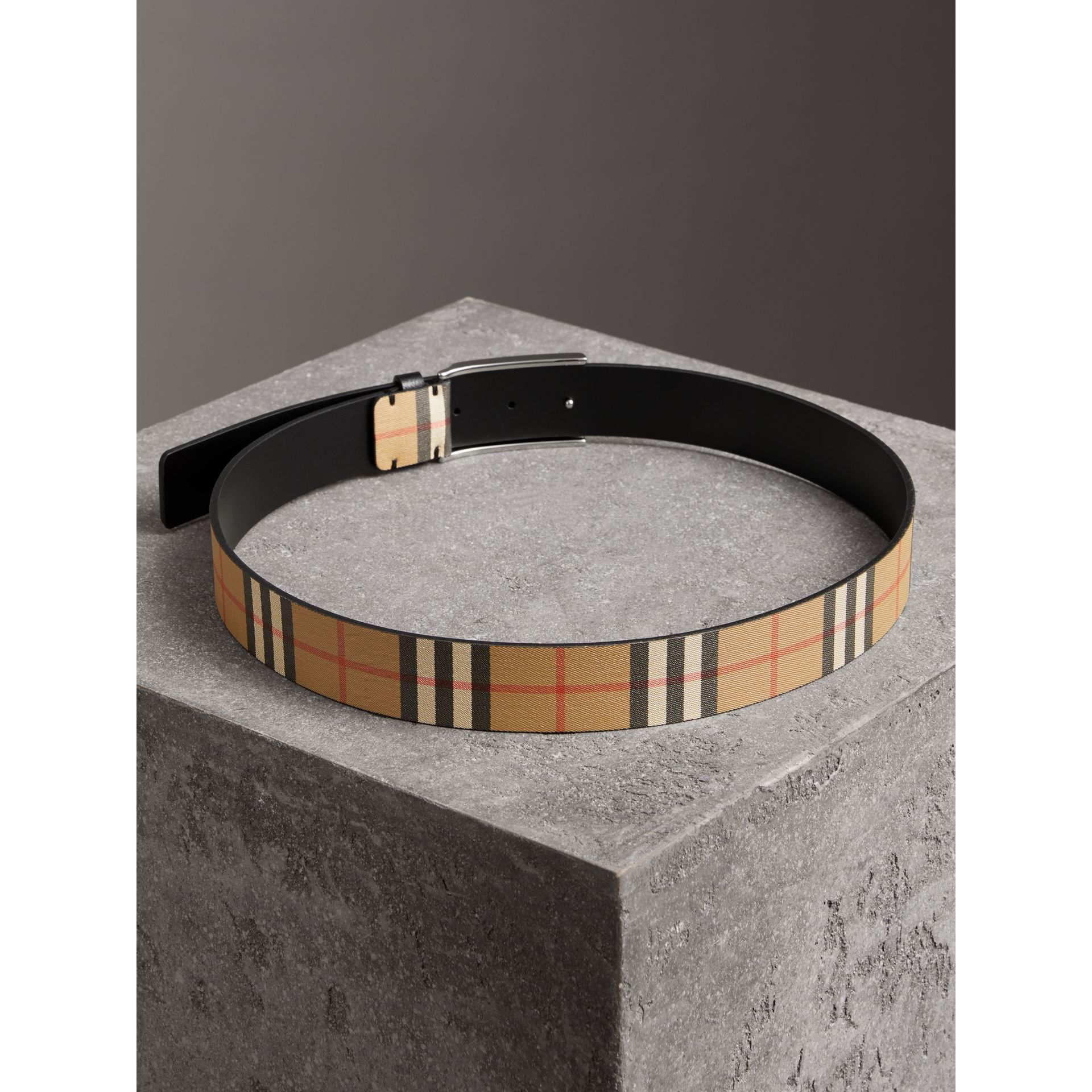 Plaque Buckle Vintage Check Leather Belt in Black - Men | Burberry Australia - gallery image 2