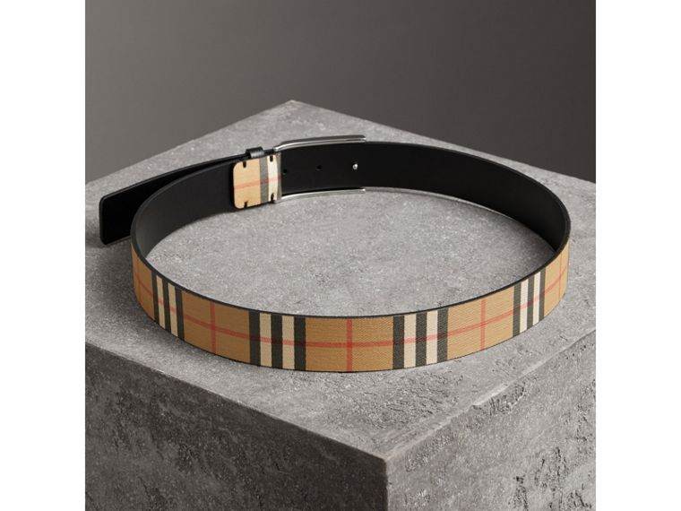 Plaque Buckle Vintage Check Leather Belt in Black - Men | Burberry - cell image 2