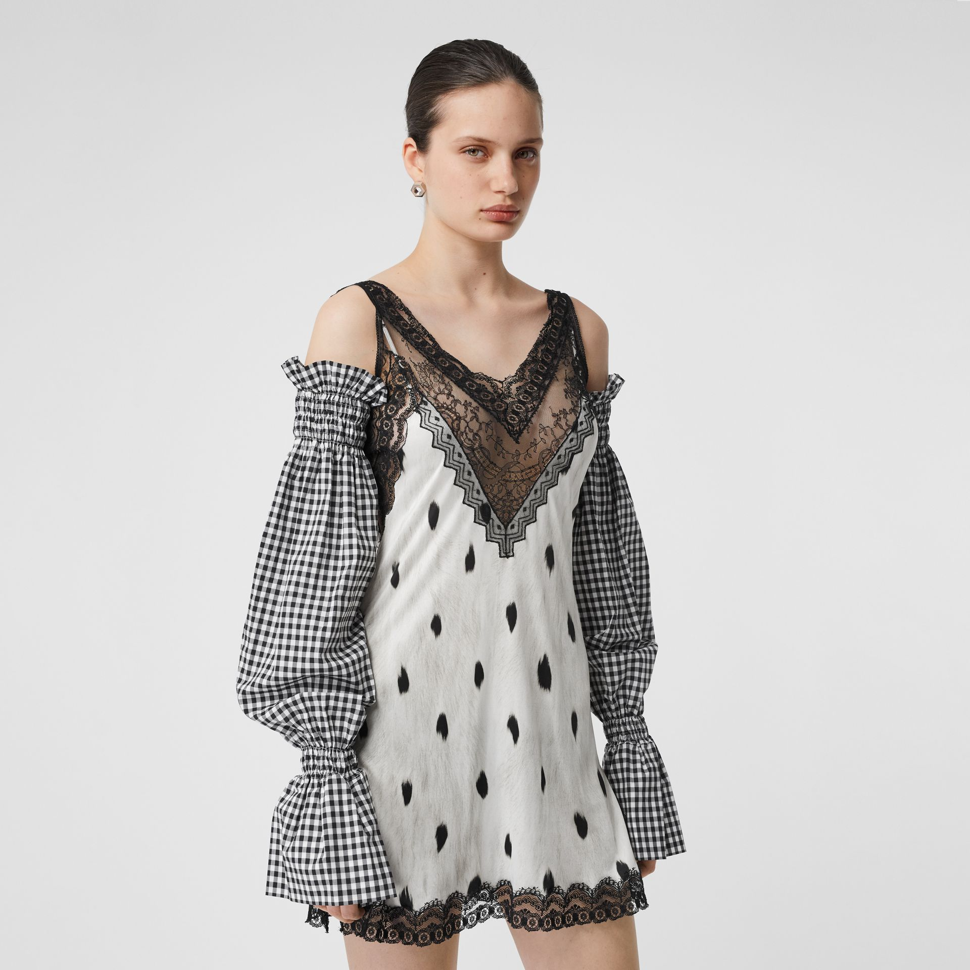 Gingham Cotton Puff Sleeves in Black - Women | Burberry United Kingdom - gallery image 2