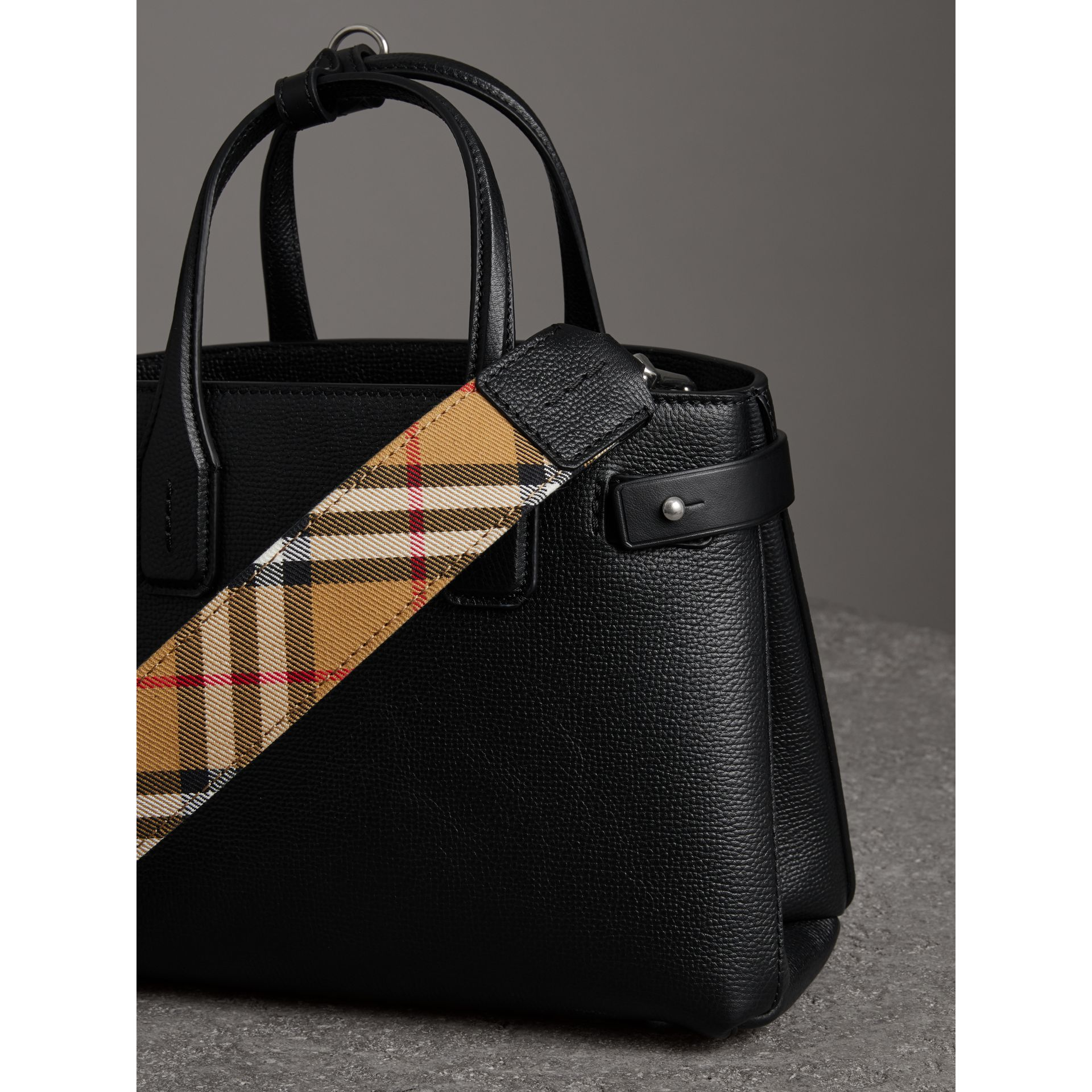 The Small Banner in Leather and Vintage Check in Black - Women | Burberry - gallery image 2