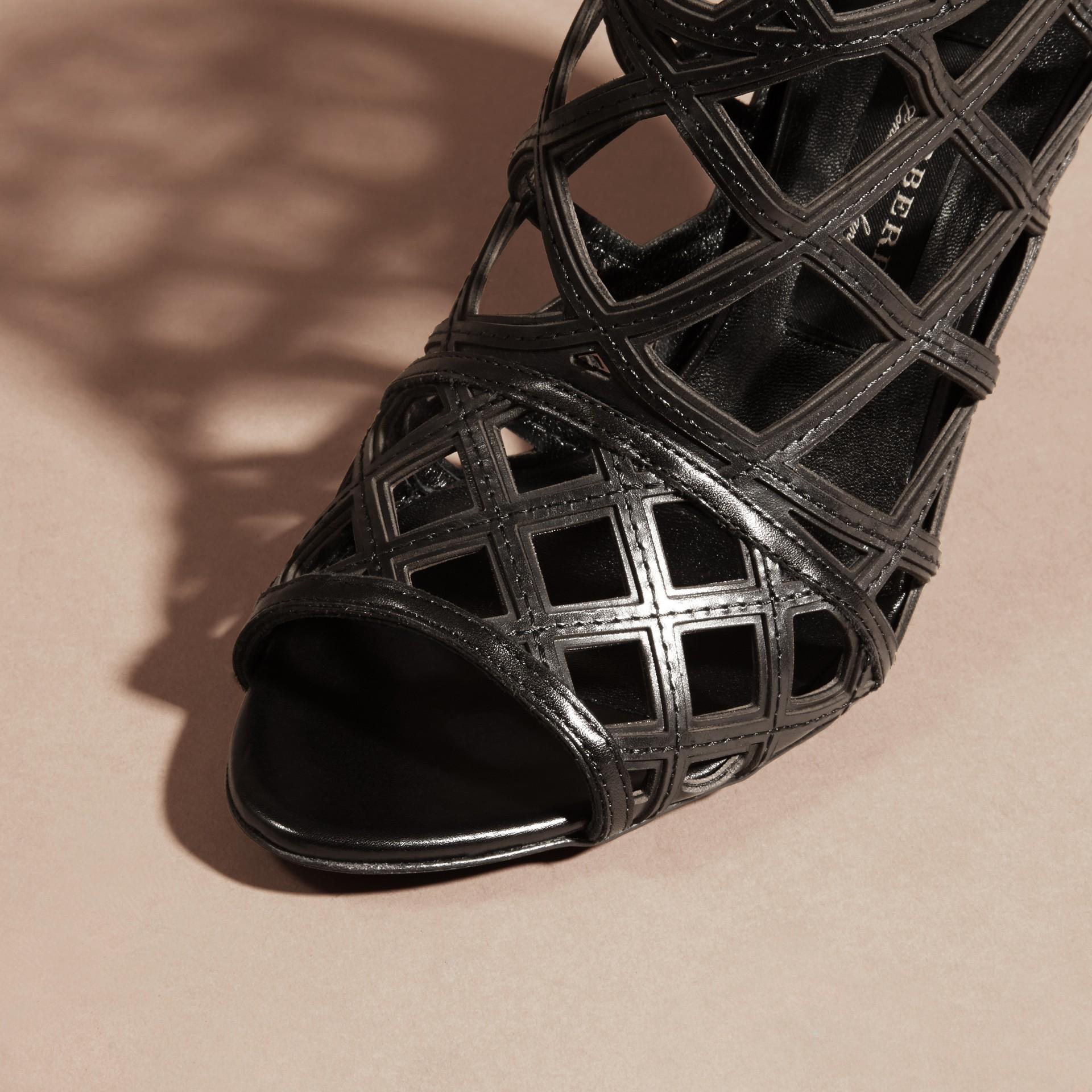Schwarz Stiefeletten aus Leder mit Aussparungsdetail Schwarz - Galerie-Bild 2
