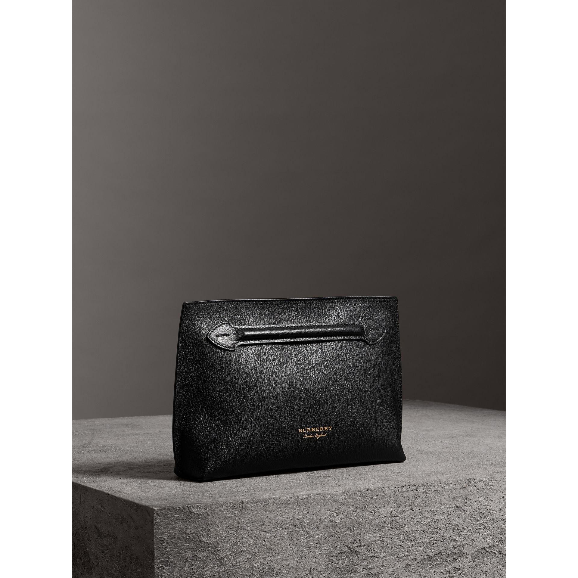 Grainy Leather Wristlet Clutch in Black - Women | Burberry Singapore - gallery image 6